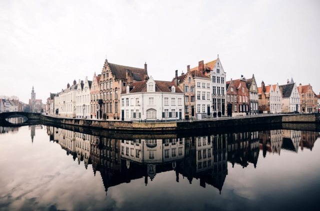 Belçika nerede? Belçika'nın dili? Belçika saati? Belçika başkenti neresidir? Belçika nüfusu kaçtır? Belçika şehirleri nerelerdir?