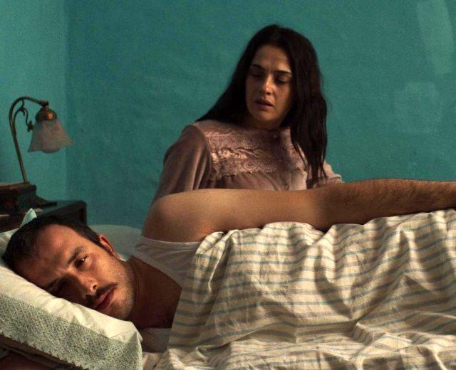 Tülin Özen'in yatak sahnesi Bir Başkadır dizisine damga vurdu