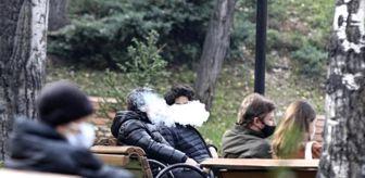 Kuğulu Park: Ankara'da yasağa rağmen sigara içtiler