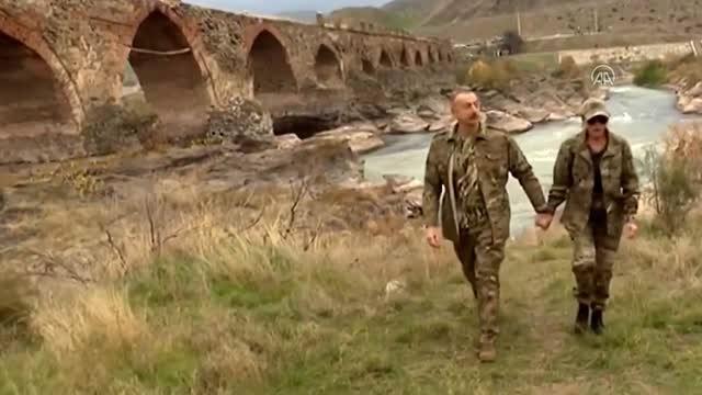 Son dakika haber: Azerbaycan Cumhurbaşkanı Aliyev, işgalden kurtarılan Fuzuli ve Cebrail'i ziyaret etti (2)