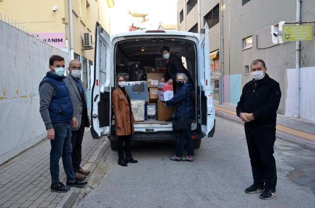 İzmir'e 100 koli yardım yola çıktı