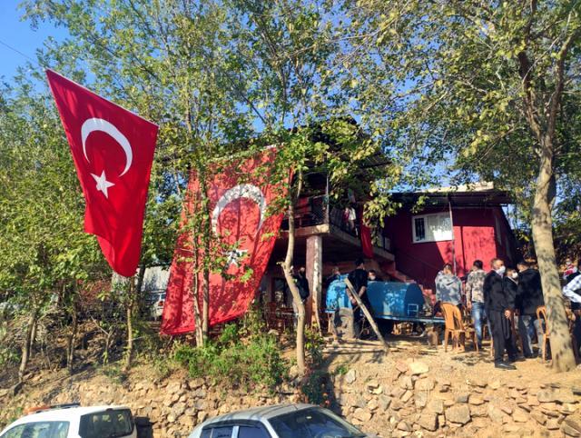 Son Dakika! Hakkari'nin Çukurca ilçesinde teröristlerle çıkan çatışmada, 1 askerimiz şehit oldu