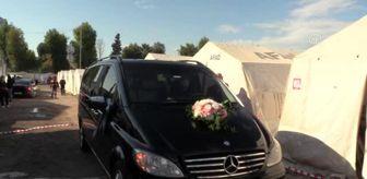 İbrahim Özer: Depremzede çift çadır kentte evlendi