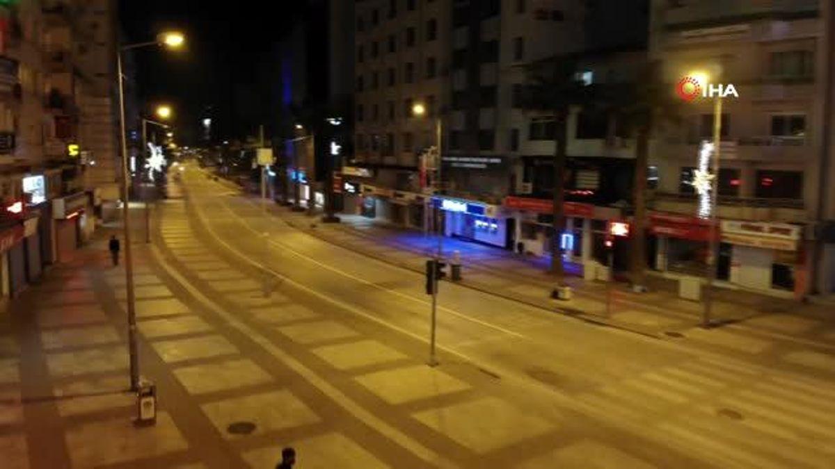 Denizli'de kısıtlamalarla beraber sokaklar sessizliğe büründü