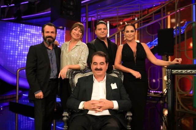 İbo Show'da Hülya Avşar'la düet yapan İbrahim Tatlıses, gözyaşlarına hakim olamadı - Magazin