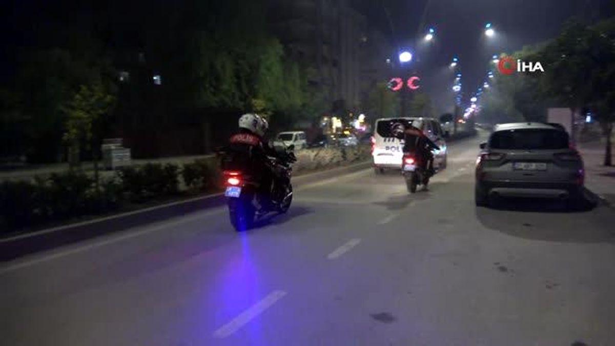 Son dakika haber: Polis ekiplerinden 'Sokağa çıkma yasağı' denetimi
