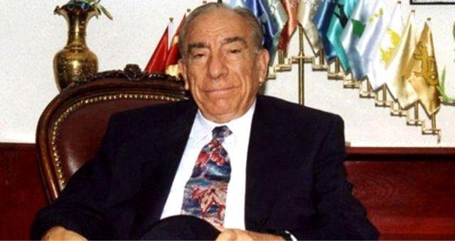 Alparslan Türkeş kimdir? Alparslan Türkeş doğum günü ne zaman? Alparslan Türkeş hayatı nedir? Siyasi hayatı nedir?