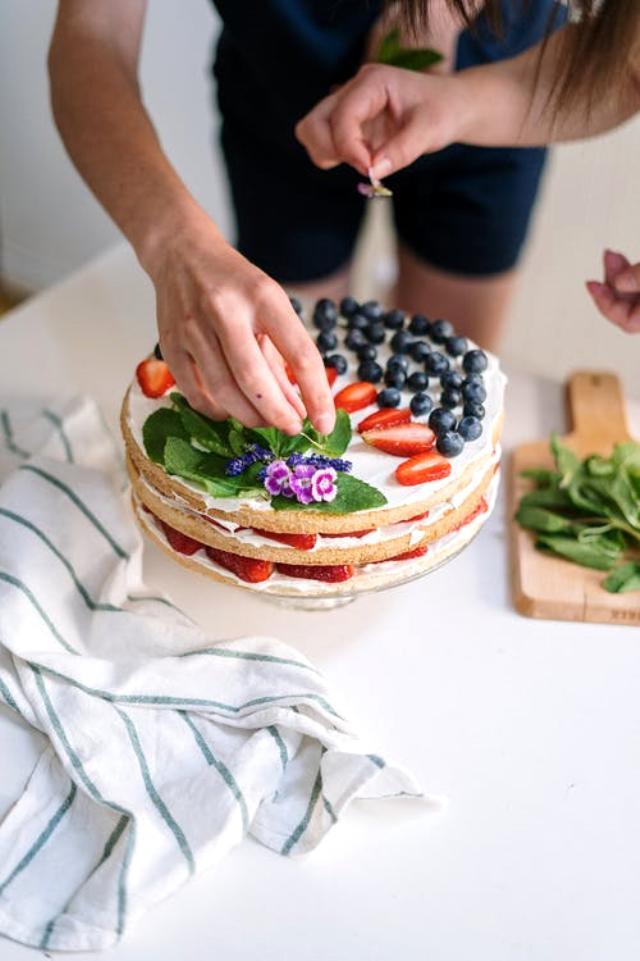 En güzel pasta tarifleri: Kolay pasta tarifleri, Mozaik pasta tarifi, Köstebek pasta tarifi, Yaş pasta tarifi