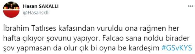 Falcao'nun Kayseri maçında tribünde telefonla oynaması taraftarların tepkisini çekti