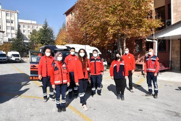 İzmir'de 16 saat sonra enkazdan kurtuluşa imza atan UMKE ekibi, yaşadıklarını anlattı