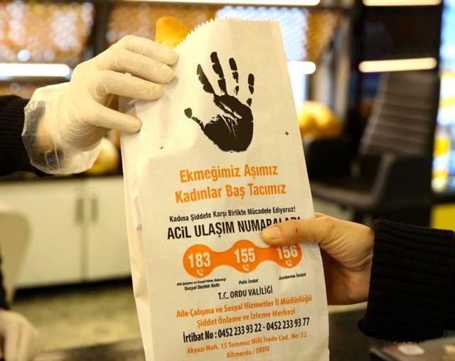 Ordu'da ekmek sarılan kağıtlarla kadına yönelik şiddetle mücadeleye dikkat çekildi