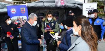Kırşehir: Vali Akın, KADES tanıtım standını gezdi