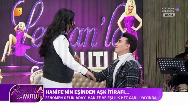 Fenomen Hanife Gürdal ve eşinin romantik anları! Canlı yayında evlilik teklifi etti