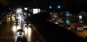 Antalya: Antalya'da cadde ve sokaklar sessizliğe büründü