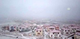 Bitlis: Kar yağışıyla kent beyaza büründü