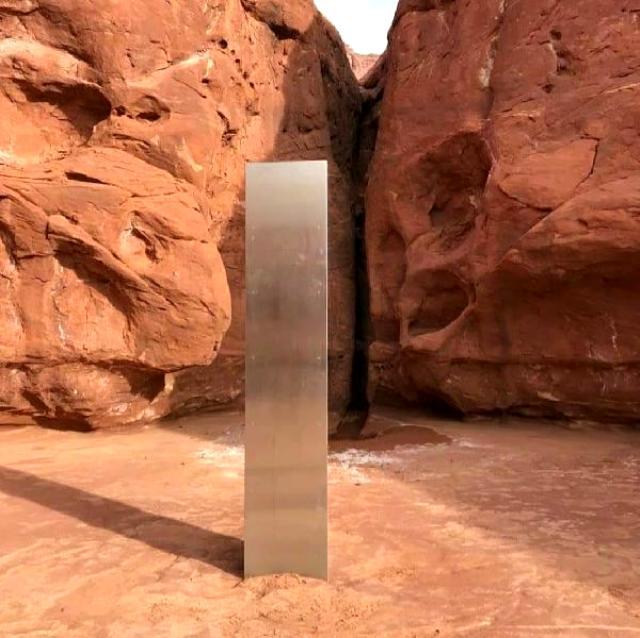 ABD'de çölde keşfedilen gizemli metal blok geldiği gibi esrarengiz şekilde kayboldu