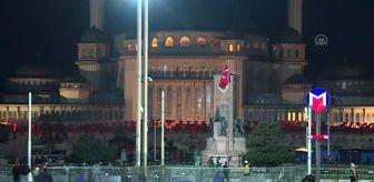 İstanbul: Sokağa çıkma kısıtlamasının başlamasıyla vatandaşlar evlerine çekildi (1)