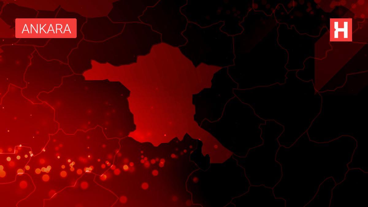 Bursa'da pancar yüklü tır devrildi
