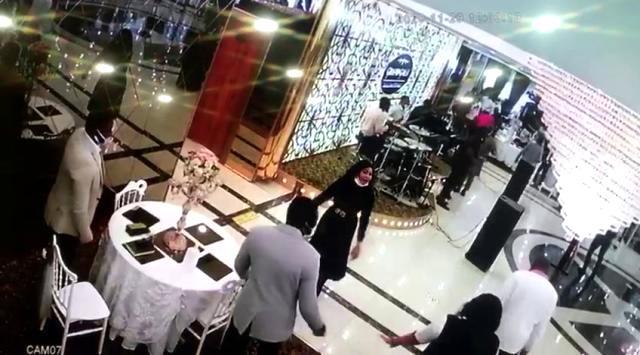 Miss Uganda'dan sonra Esenyurt'ta bu kez de düğün salonunda pazar ayini