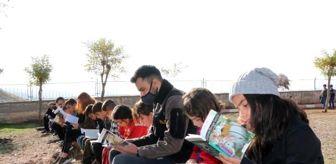 Bülent Ecevit Üniversitesi: 'Sırtımdaki Kütüphane projesiyle 6 bin 200 çocuğa ulaştılar