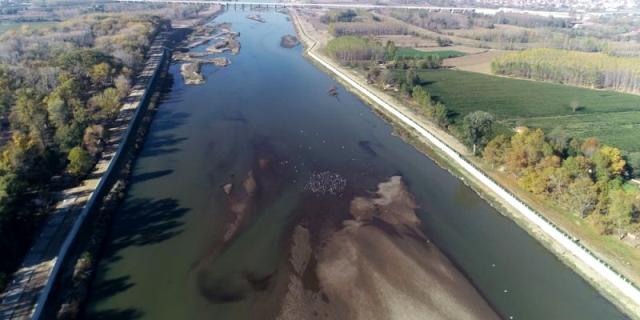 Su seviyesi düşen Meriç Nehri'nde oluşan kum adacıkları korkuttu! Yağış olmazsa buğday üretiminde sıkıntı yaşanacak