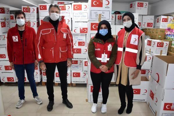 Yabancı gönüllüler, depremzedeler için seferber oldu