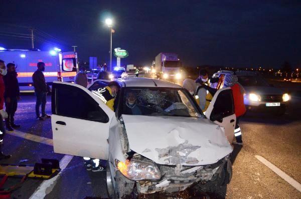 Aksaray'da iki otomobil çarpıştı: 3 yaralı