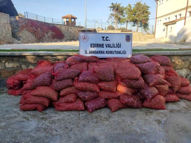 Son dakika haberi | Edirne'de 600 bin TL'lik 3 ton kum midyesi ele geçirildi