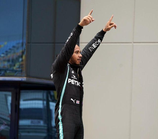 F1 Efsanesi Lewis Hamilton korona virüse yakalandı