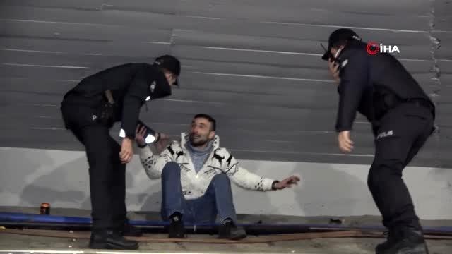 Ekipleri görünce 'Ooo polis online, polisi seviyorum' diyen alkollü genç cezadan kurtulamadı