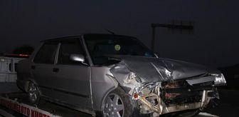 Uşak: İki otomobil kavşakta çarpıştı: 2 yaralı