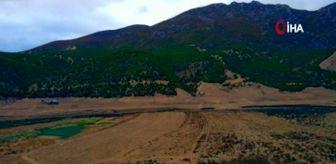 Samsun: Altınkaya Barajı'nda sular çekildi, kayıklar karada kaldı