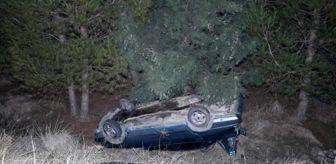 Denizli: Denizli'de otomobil şarampole yuvarlandı, arkasındaki 8 araç çarpıştı: 2 yaralı