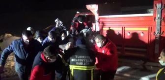 Kars: Son dakika haberleri... Kamyonette sıkışan sürücü ekiplerin çalışmaları sonucu kurtarıldı