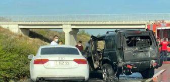 Mersin: Otoyolda alev alan cipe, otomobil çarptı: 2 yaralı