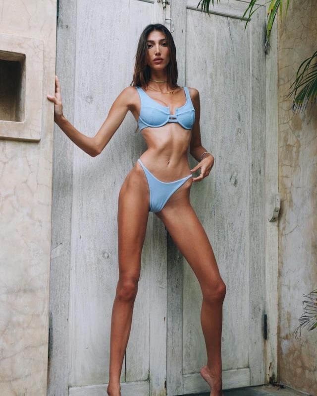Her hareketiyle gündem olan Şevval Şahin'den olay bikinili pozlar