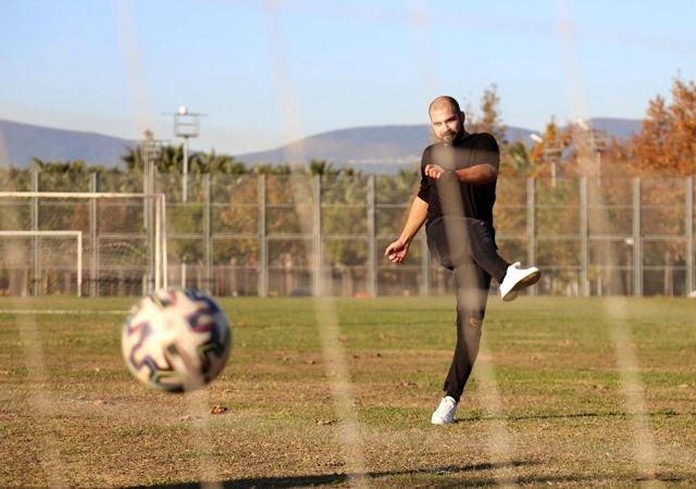 Seramik sanatı için profesyonel futbolu bıraktı