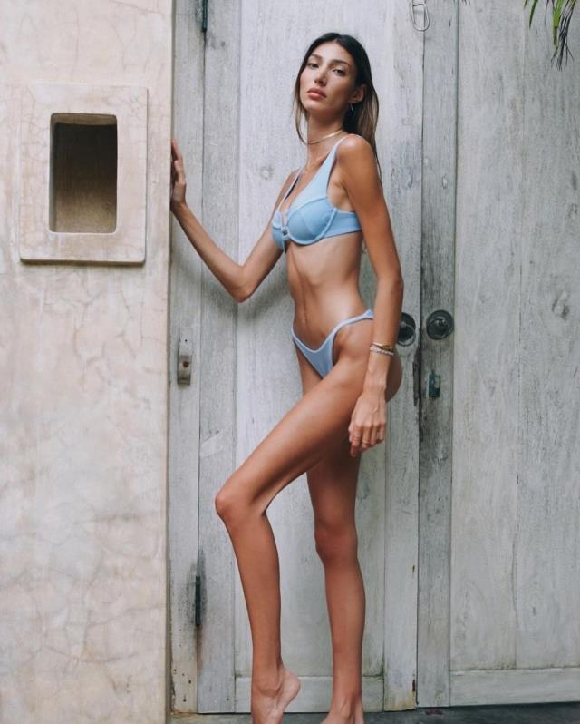 Şevval Şahin, bikinili pozlarına gelen eleştirilere sert çıktı: Size ne!