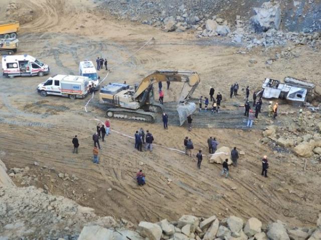 Son Dakika! Arnavutköy'de taş ocağında meydana gelen göçükte 1 işçi hayatını kaybetti, 1 işçi yaralandı