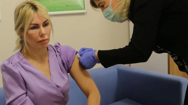 Prof. Dr. Özkan gönüllüsü olduğu korona aşısının yan etkisini açıkladı: İlk dozda bir günlük baş ağrım oldu