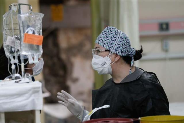 Vaka sayıları patladı, sağlık çalışanlarından 'tedbir' çağrısı geldi: Artık insanlara yalvarıyorum
