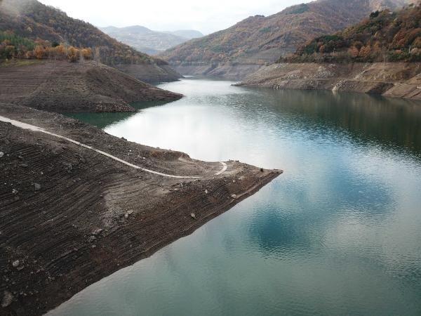 Yuvacık'ta su seviyesi dip noktada; Kocaeli için Sapanca'dan takviye yapılıyor