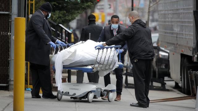 Salgının başından bu yana böylesi hiç yaşanmadı! ABD'de bir günde 3 bin 124 kişi hayatını kaybetti