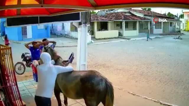 - Brezilya'da 'atlı' soygun