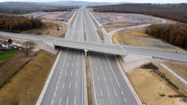 Kuzey Marmara Otoyolu'nun son kesimi olan İzmir-Akyazı bölümü 19 Aralık'ta açılacak