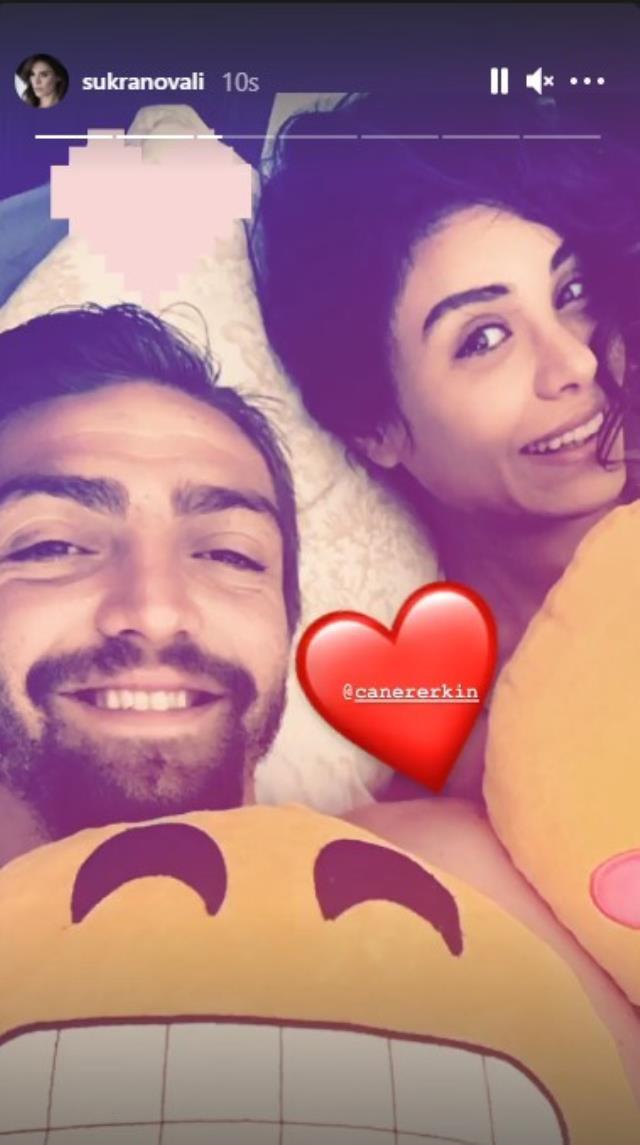 Oyuncu Şükran Ovalı, eşi Caner Erkin ile yatak pozunu paylaştı
