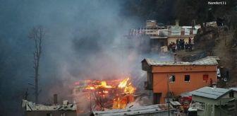Kaymakçı: Rize'de köyde yangın; 10 ev kullanılamaz hale geldi (2)