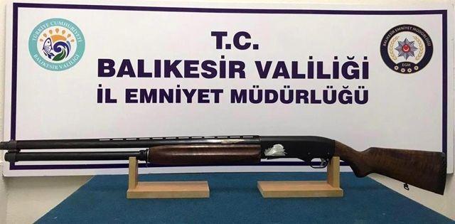 Son dakika haberleri   Balıkesir'de polis 87 aran şahsı yakalarken, 21 silah ele geçirdi