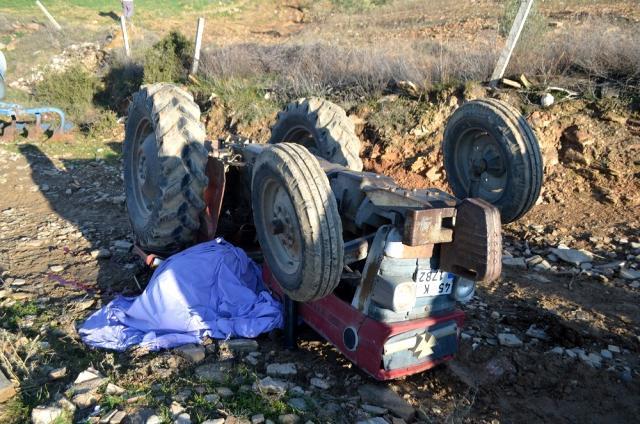 Koronavirüsü atlatan yaşlı adam, devrilen traktörün altında kalarak can verdi