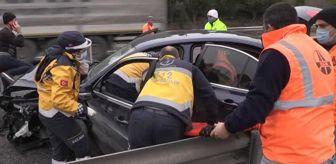 Yeşilyayla: Anadolu Otoyolu'nda kaza yapan araçta sıkışan sürücü kurtarıldı